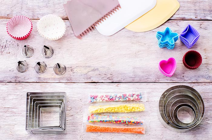 Cake-Decorating-Tools-for-Beginners