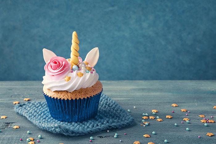 Unicorn cupcake tutorial - unicorn flower cupcake