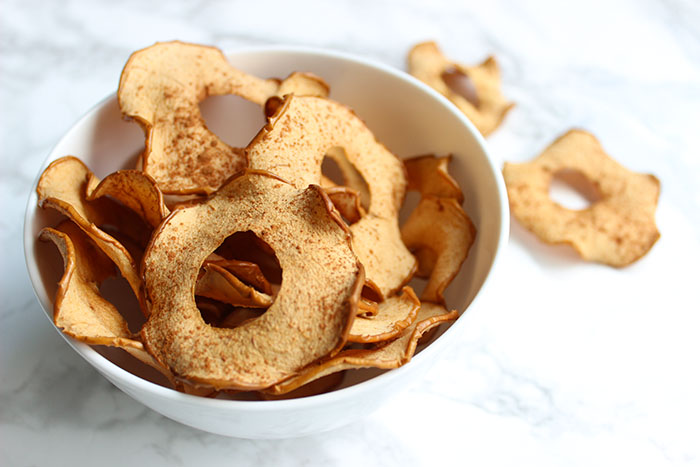 Irresistible Baked Cinnamon Apple Crisps