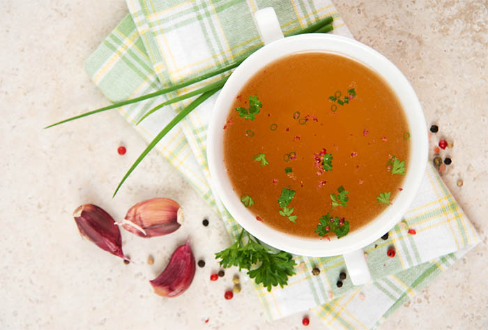 What to eat during intermittent fasting - bone broth