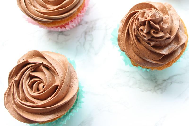 Creamy Chocolate Buttercream Rose Multiple