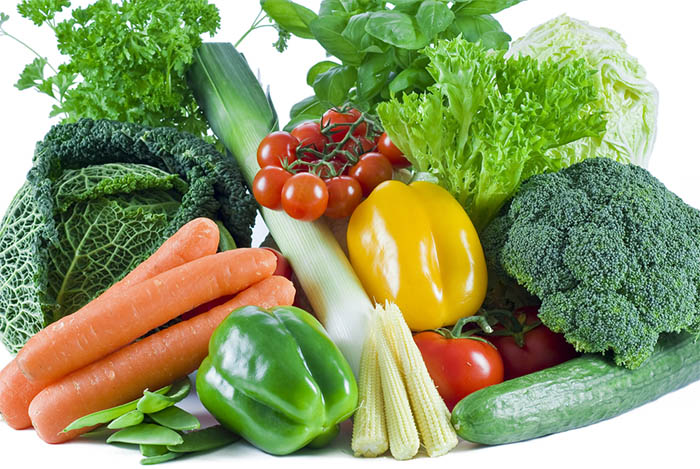 Intermittent-Fasting-Facts-and-Myths-excessive-eating Fresh vegetables