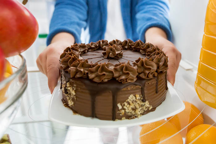 Prevent-Melting-Buttercream-Refrigerate-Cake