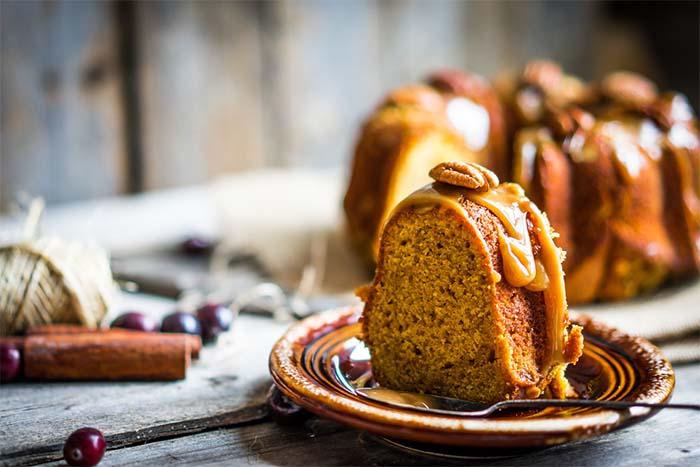 Low Carb Fall Cake Recipes - Bundt Cake