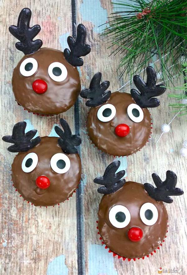 11 Christmas Cupcake Tutorials for Your Christmas Day Celebrations - Rudolph-Cupcakes-3-1